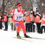 札幌大通公園がスノーパークに! パラ代表選手や子どもたちが熱いレースで冬季競技をPR