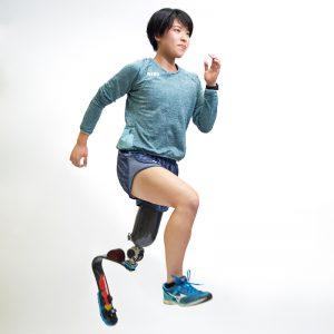 写真:パラ陸上_走り幅跳び_兎澤朋美さん
