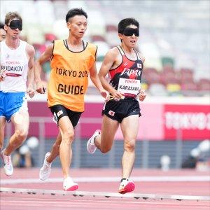 サムネイル写真:全盲のランナー唐澤剣也選手